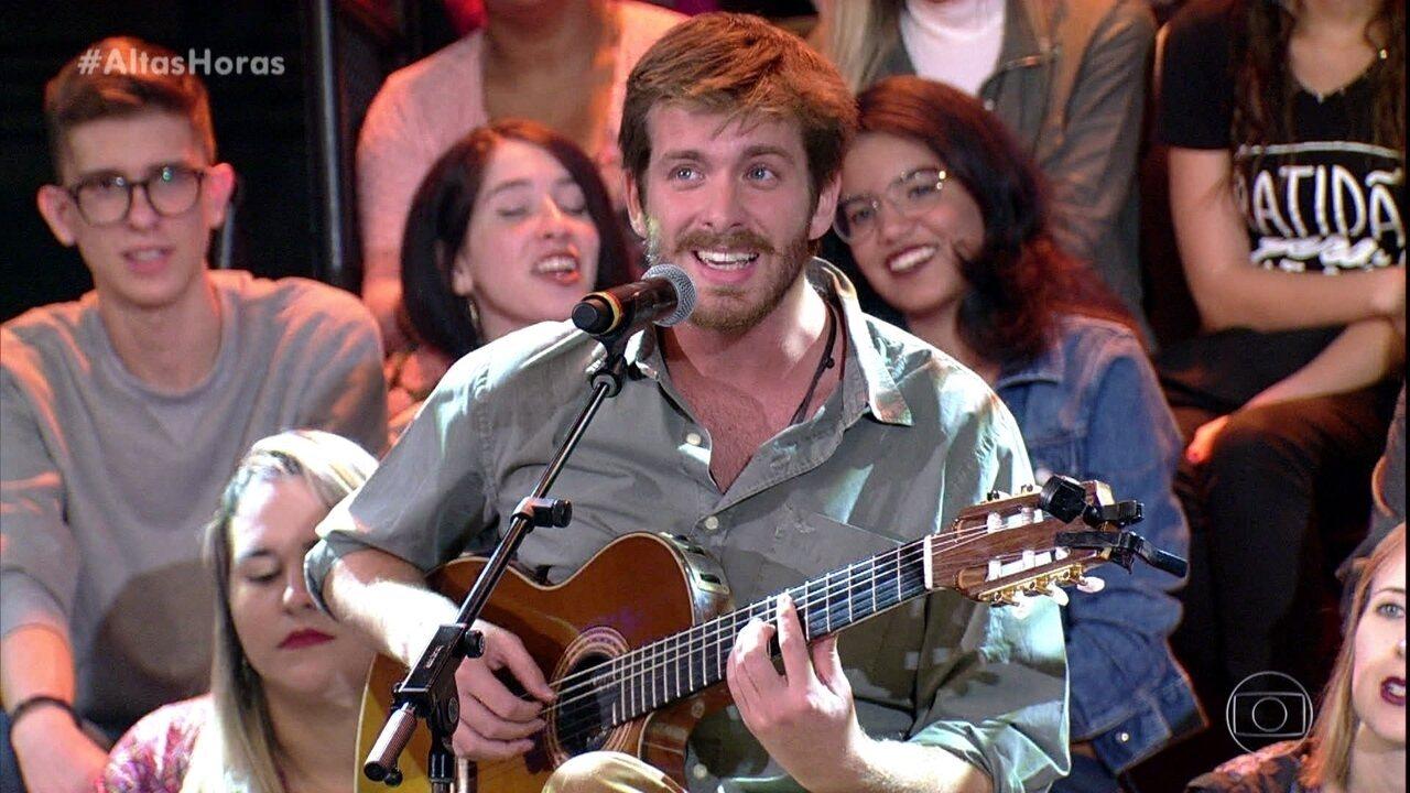 """Tiago Nacarato canta """"Oceano"""""""