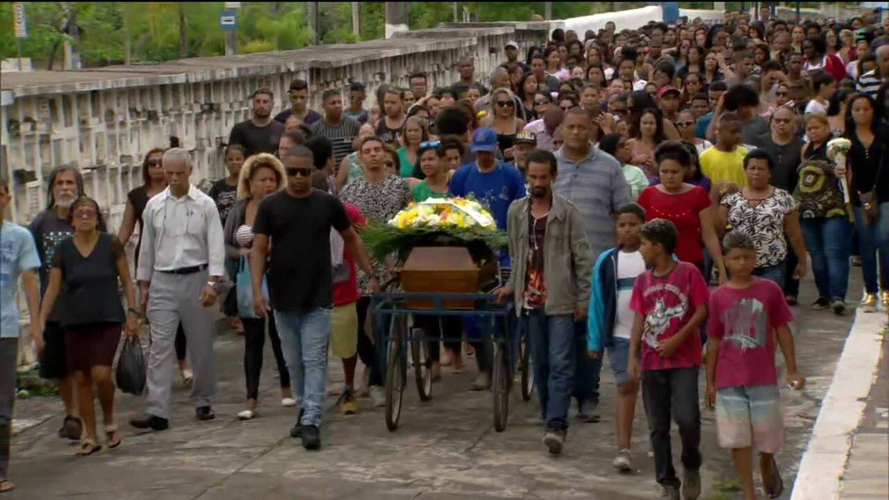 Acusada de fazer procedimento que matou microempresária no Rio se apresenta à polícia