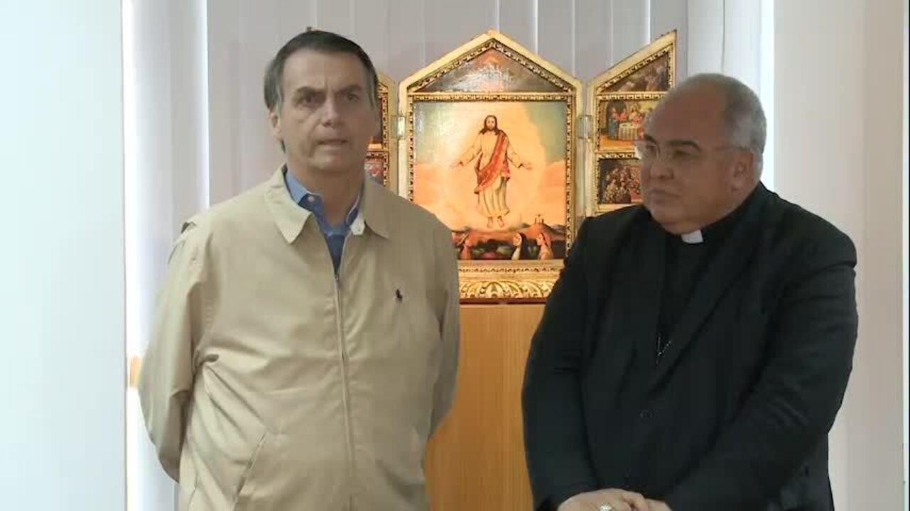 Bolsonaro após encontro com cardeal Dom Orani Tempesta na sede da Arquidiocese do Rio