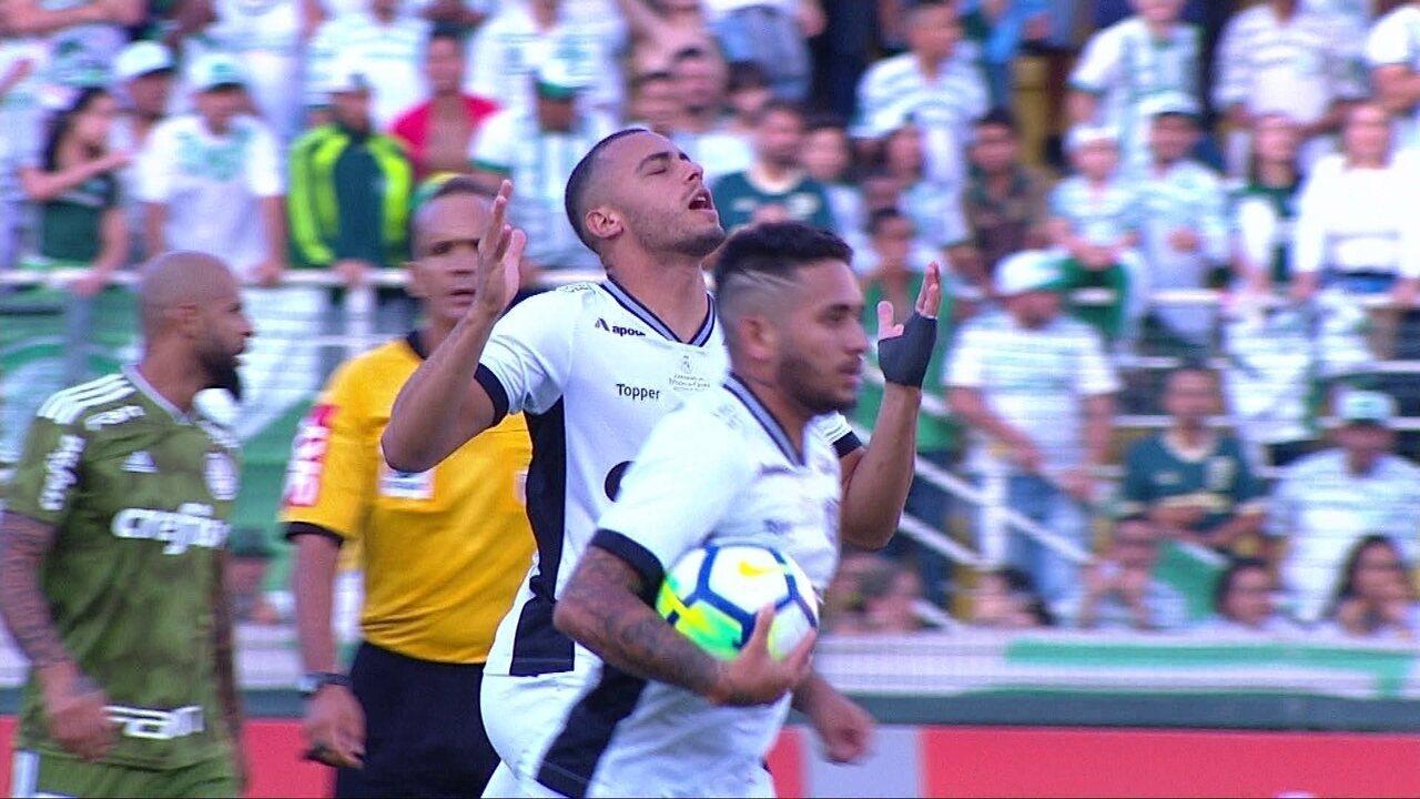 Gol do Ceará! Leandro Carvalho cruza e Arthur completa para o gol aos 9 do 2º tempo