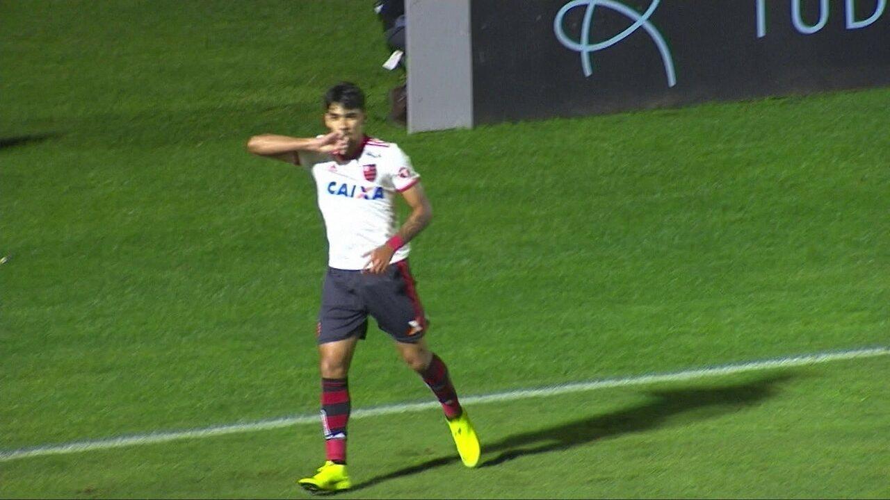 Gol do Flamengo! Lucas Paquetá recebe livre na área e marca com 17' do 1º tempo