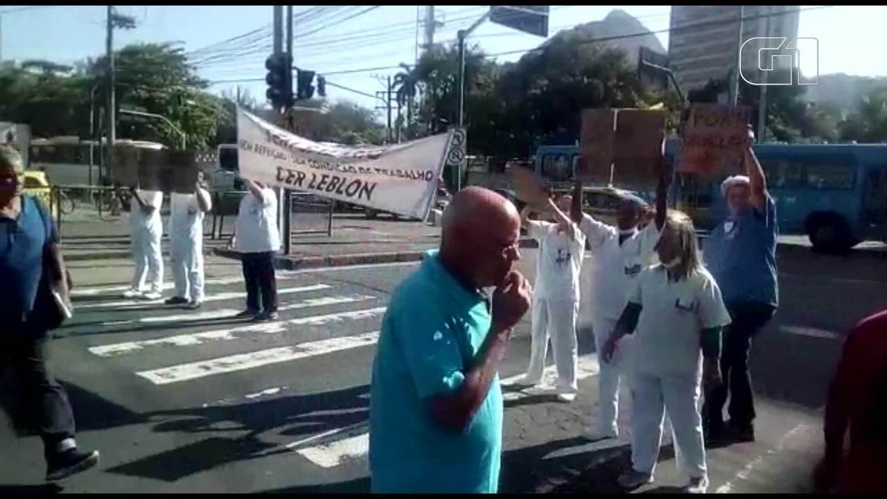 Funcionários de unidades de saúde do Rio protestam em vários pontos da cidade