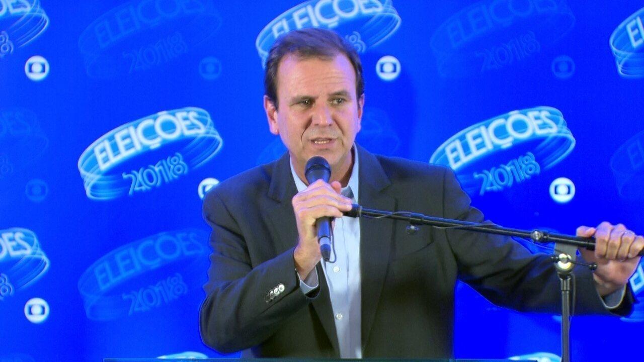 Eduardo Paes (DEM) concede entrevista coletiva após debate do segundo turno da Rede Globo