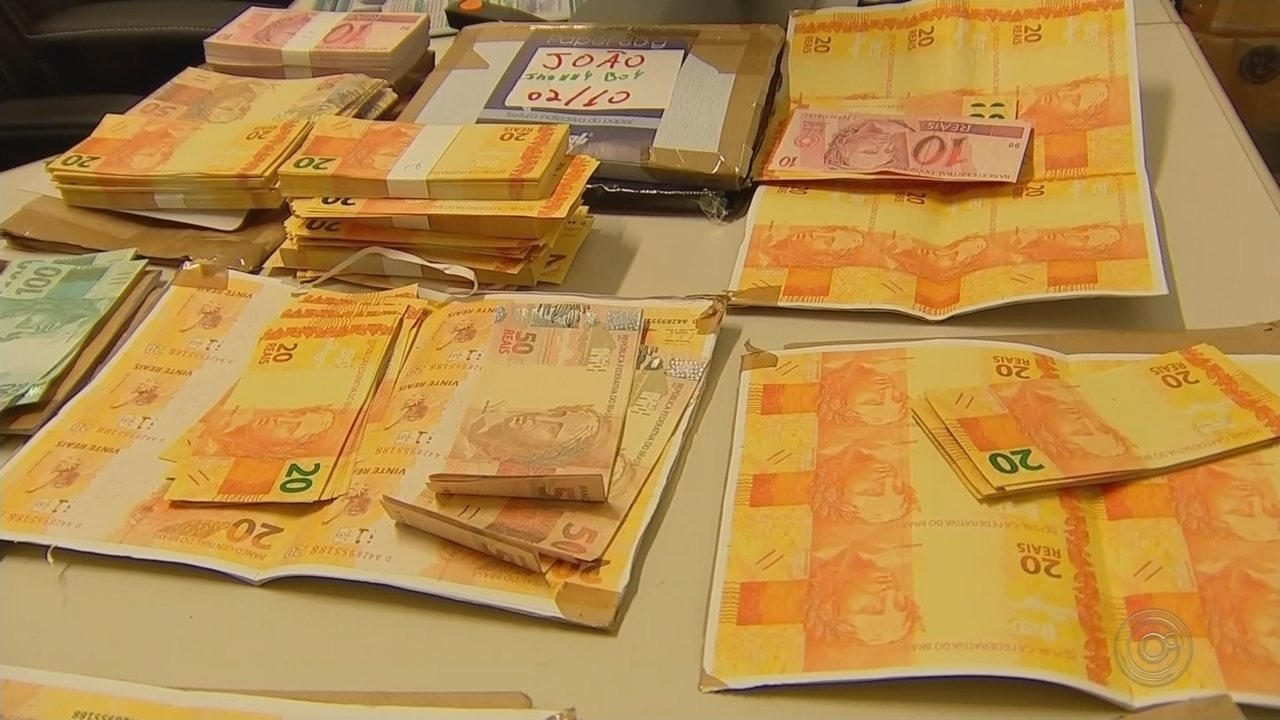 Homem é preso com R$ 30 mil em notas falsas no correio de Nhandeara (SP)
