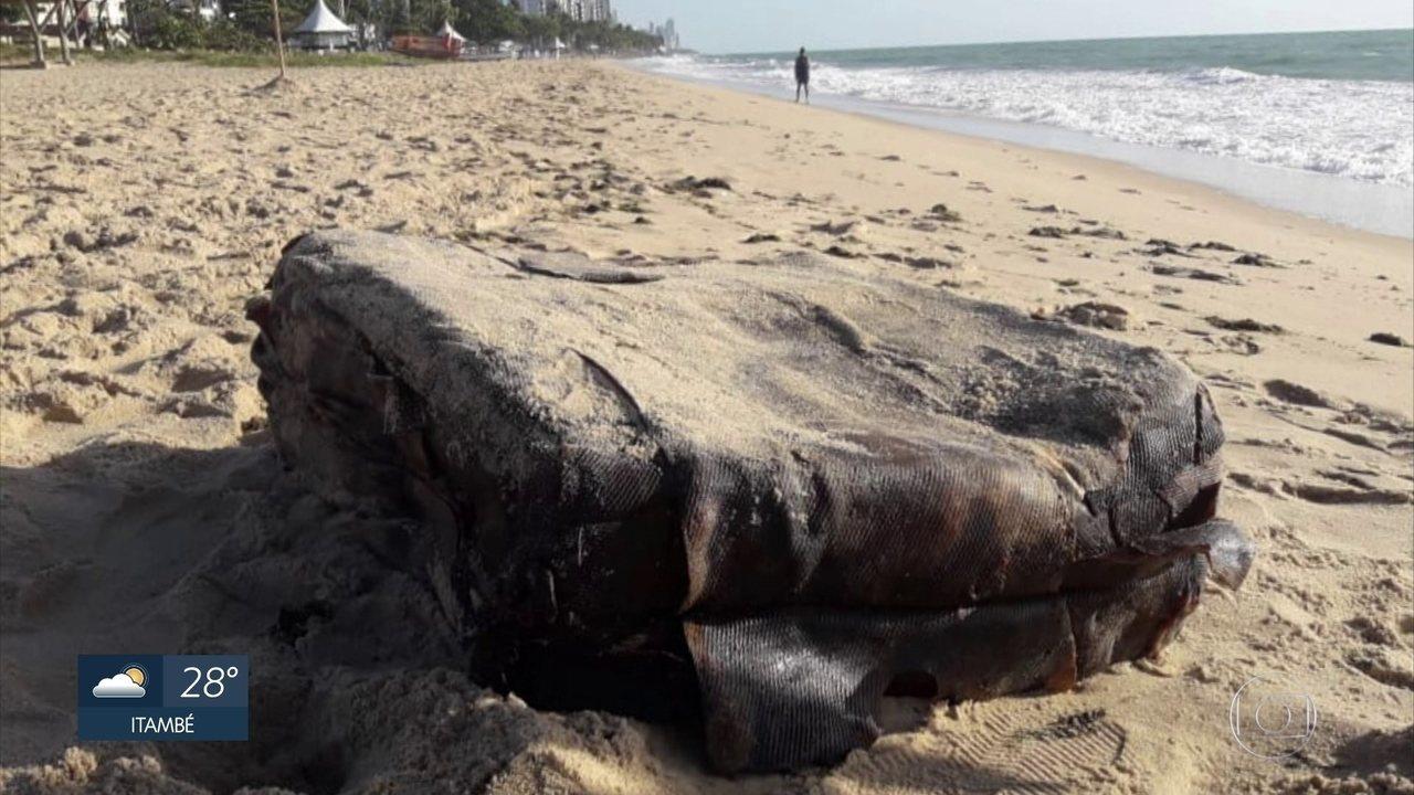 Pacotes são encontrados em praias do Nordeste