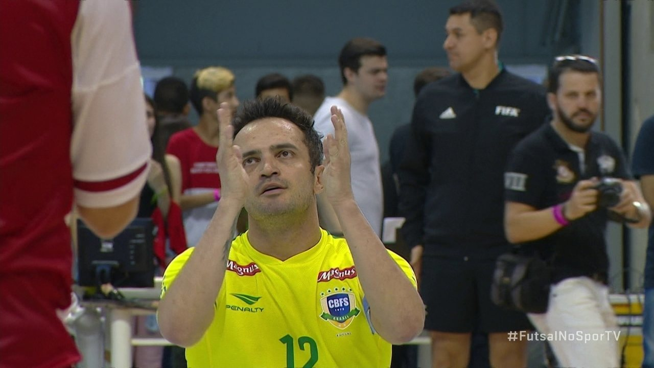 15162b5377 Os gols de Brasil 4 x 2 Paraguai