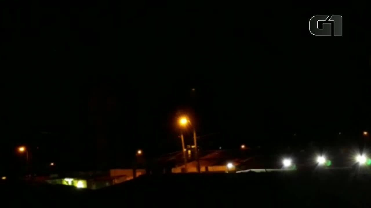 Moradores registram tiroteio e explosão em presídio de Marituba, na Grande Belém