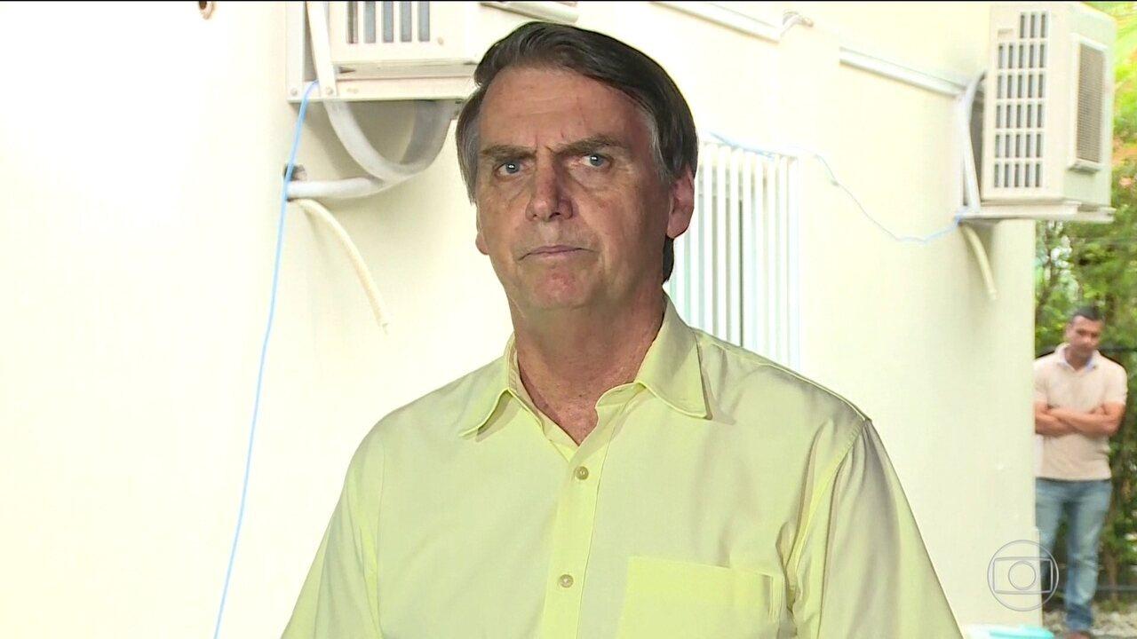 Em coletiva, Bolsonaro fala sobre fusão dos ministérios da Agricultura e do Meio Ambiente