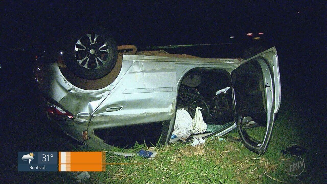 Motorista fica ferido em acidente entre carro e caminhão em Sertãozinho, SP