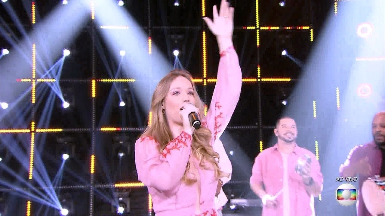 Malu Rodrigues canta 'Canta Brasil'