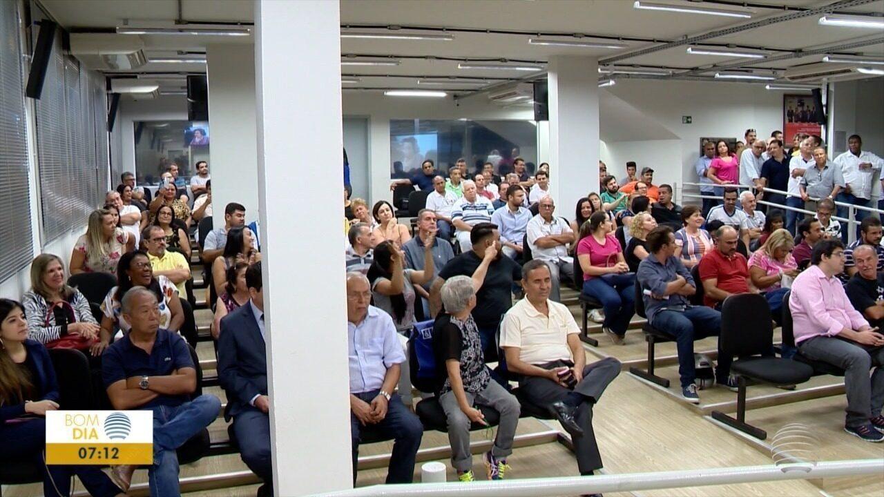 Vereadores não aprovam projeto, que tinha pedido de urgência, que autoriza empréstimo de R$ 170 milhões