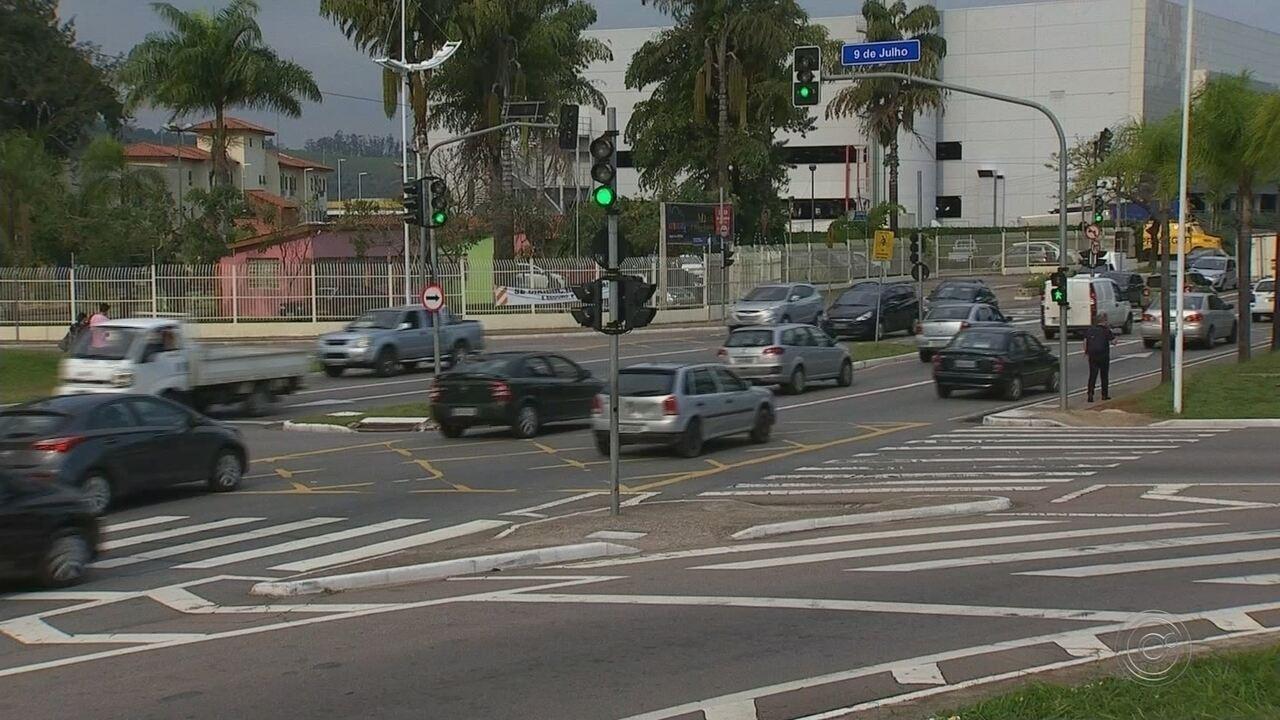 Avanço de sinal vermelho lidera número de infrações no trânsito em Jundiaí