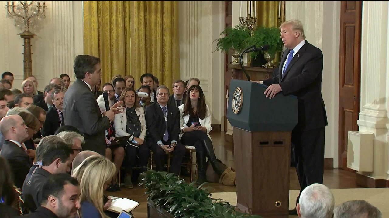 Trump discute com repórter durante entrevista coletiva na Casa Branca