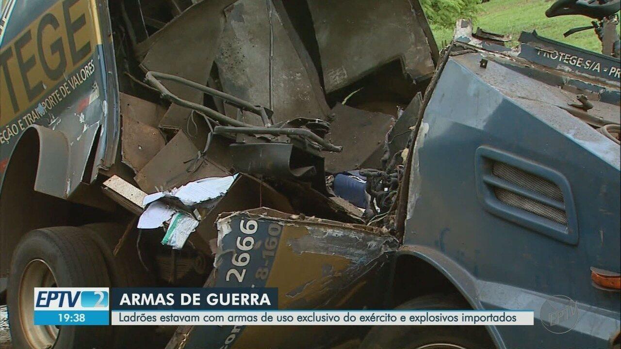 Diretor da Polícia Civil diz que é 'tática de guerrilha' ataque a carro-forte em Cajuru
