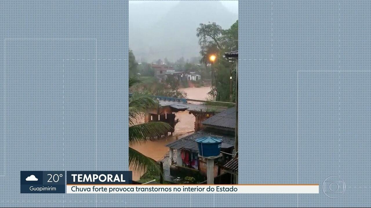 Macaé decreta estado de calamidade por causa da chuva forte que atinge a região