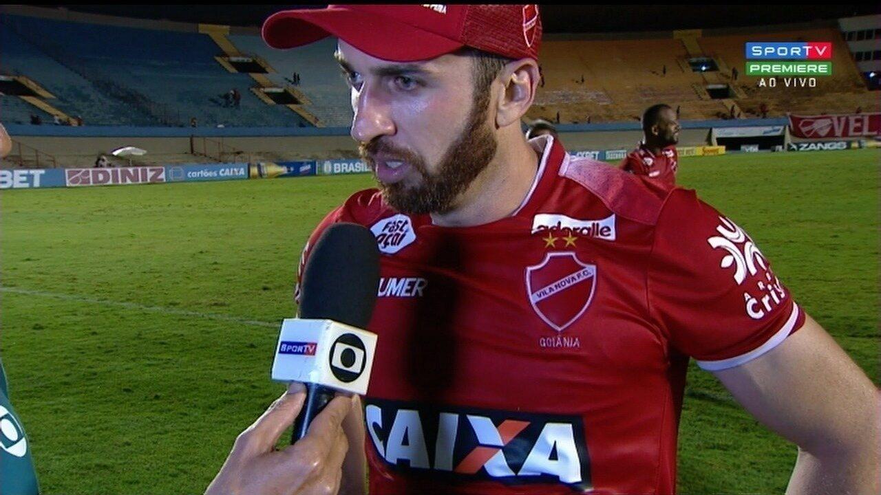 Elias dedica vitória à torcida e diz que Vila continuará em busca do acesso