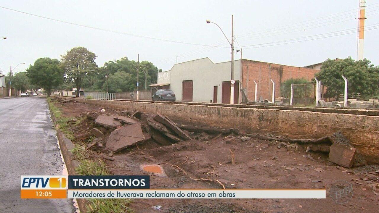 Obra em avenida de Ituverava, SP, está atrasada e atrapalha moradores