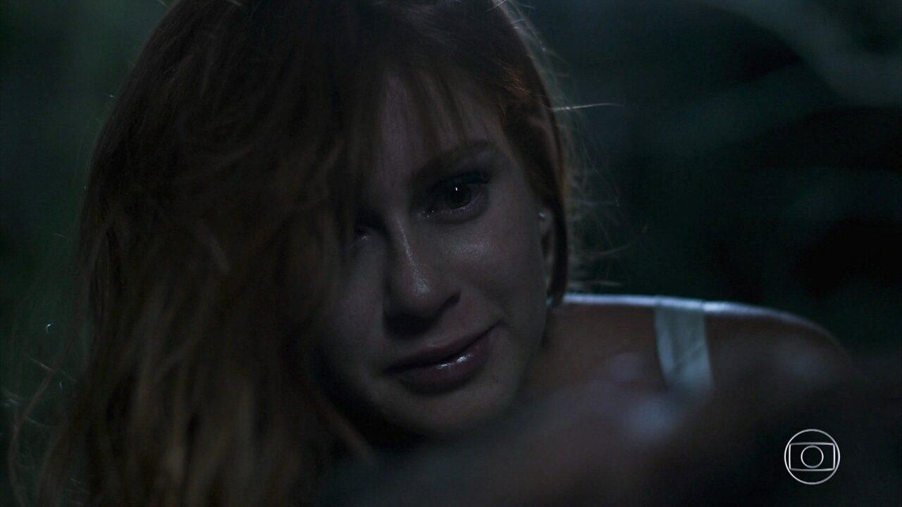 Luz resgata Gabriel após ser guiada por León