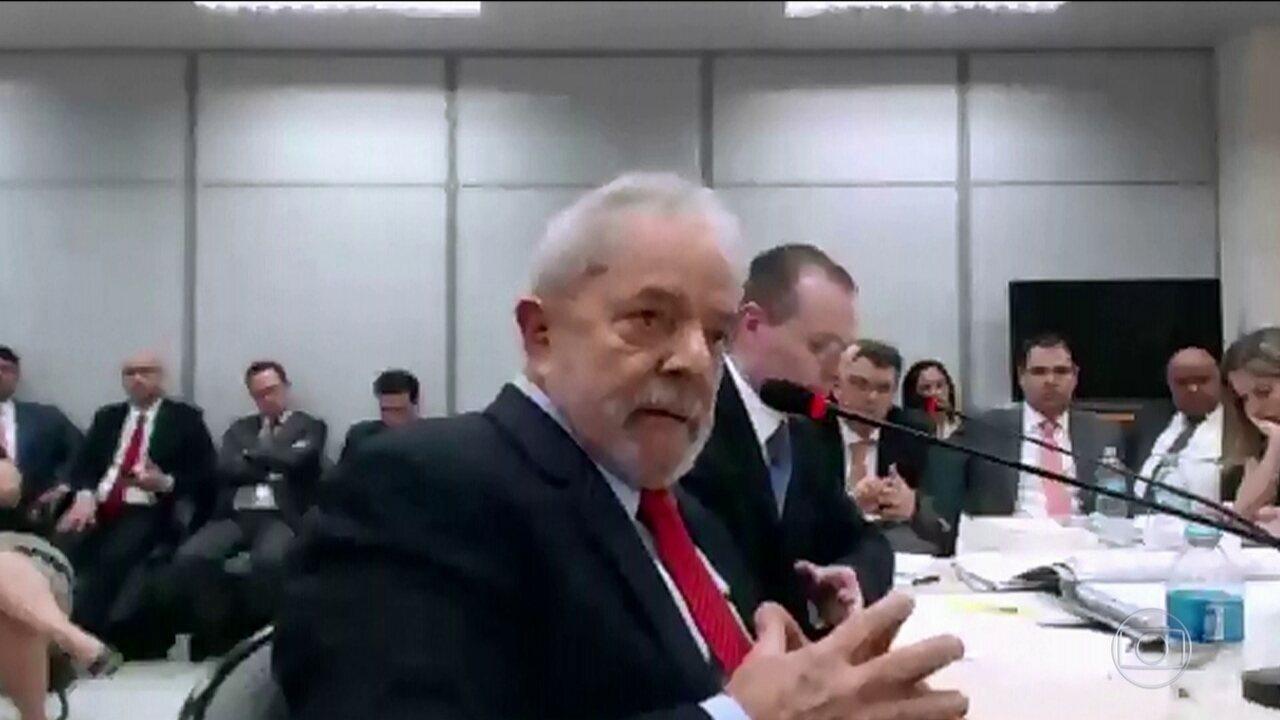 Juíza repreende Lula e diz que ele instiga petistas a tumultuar processo
