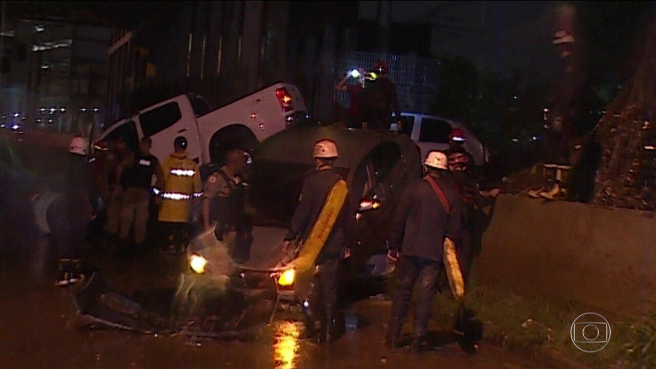Duas pessoas morrem afogadas durante temporal em Belo Horizonte