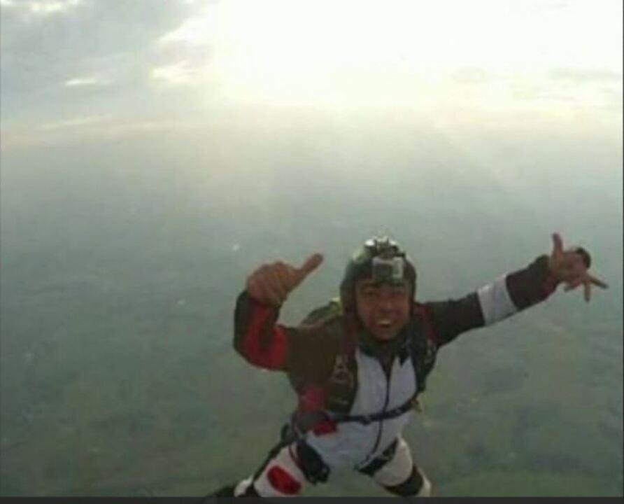 Paraquedista cai e fica em estado grave em Boituva, SP