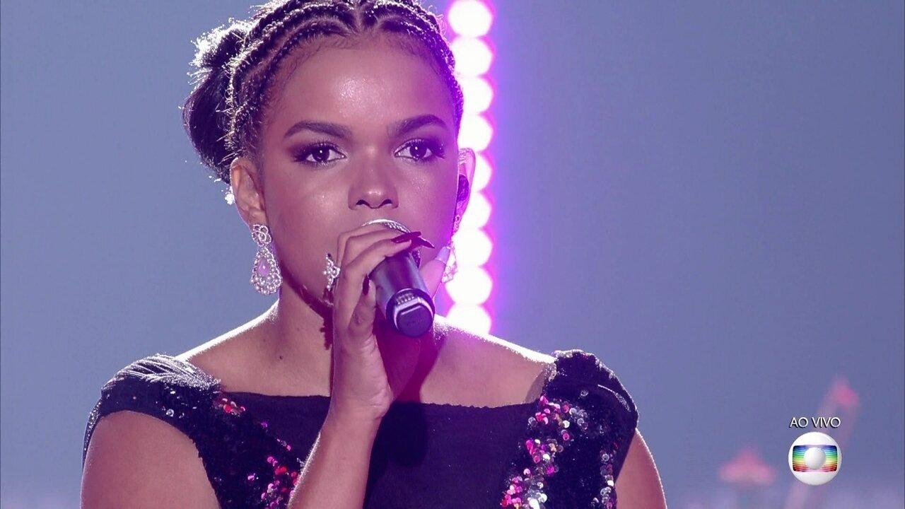 Jeniffer Nascimento cantou 'Listen'