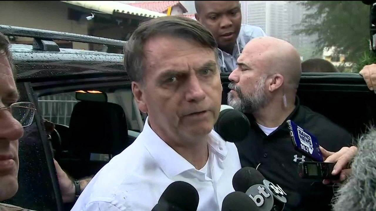 Petrobras pode ter privatização parcial, diz Bolsonaro