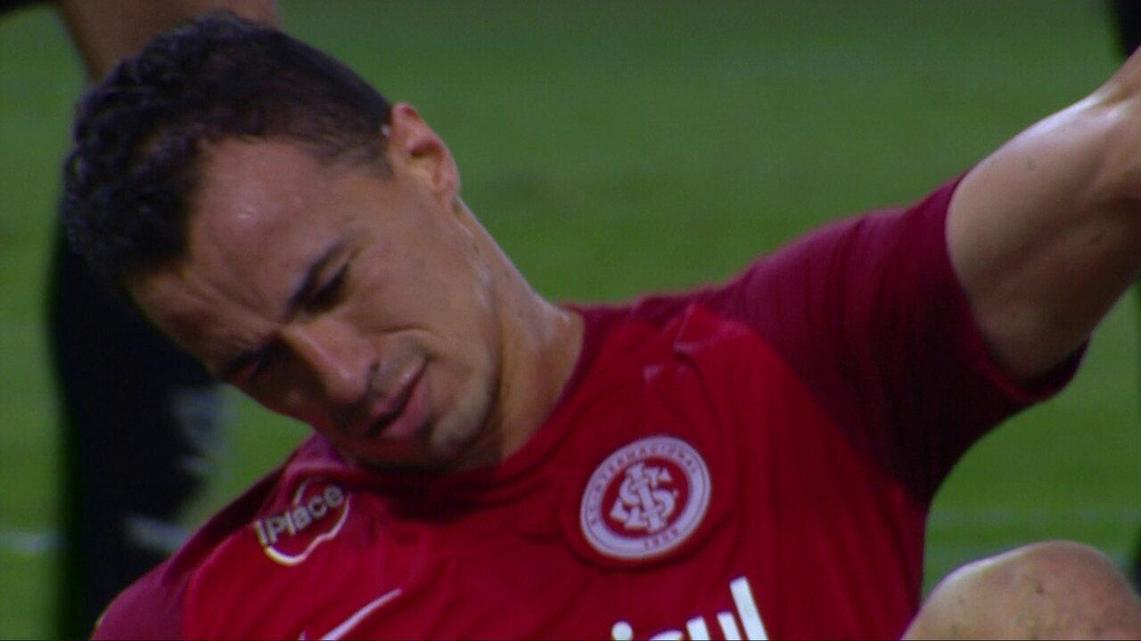 Leandro Damião perde duas oportunidades incríveis de gol contra o Atlético-MG