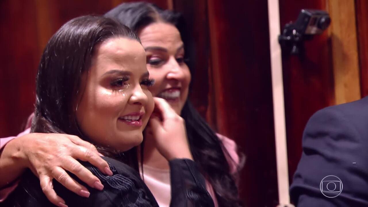 Maiara e Maraísa se emocionam no 'Visitando o Passado'
