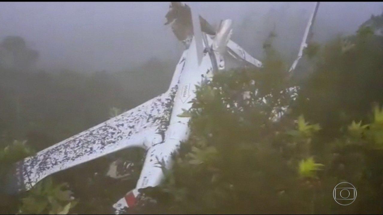 Queda de helicóptero no interior de São Paulo deixa seis mortos
