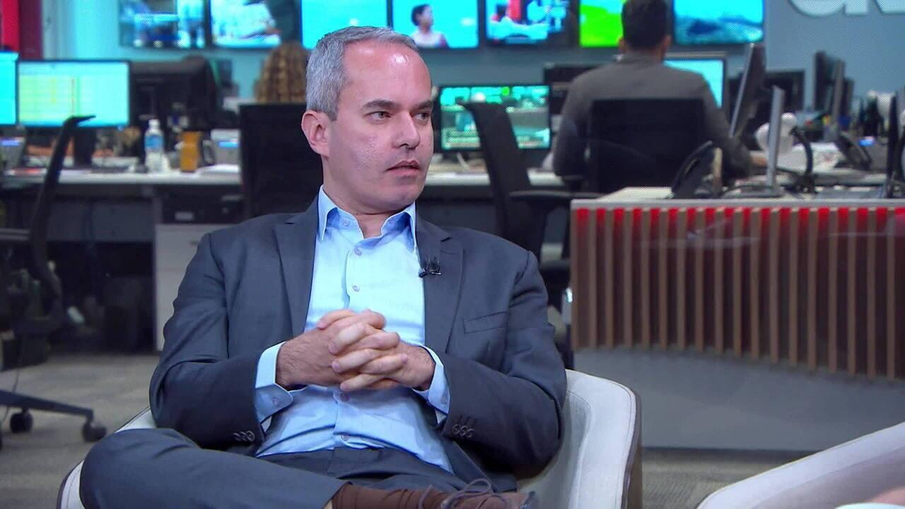 Economista Sergio Vale comenta alta do dólar