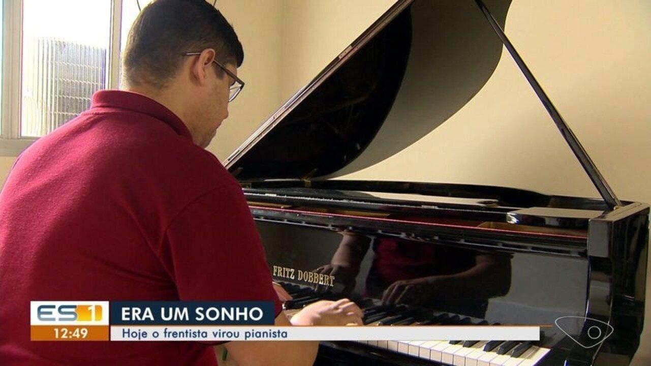 Frentista segue o seu sonho e se torna pianista profissinal