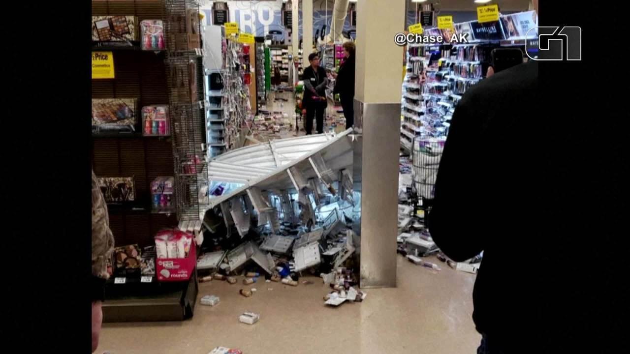 Terremoto no Alasca causa estragos em supermercado