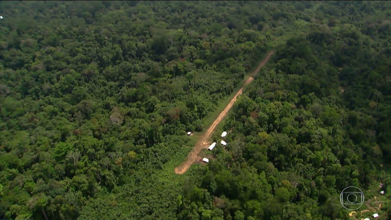 Área é isolada e tomada por pistas clandestinas