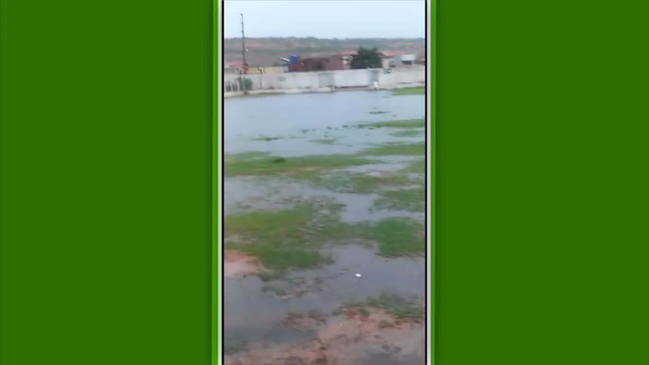 Estádio Helvídio Nunes, em Picos, é alagado após fortes chuvas