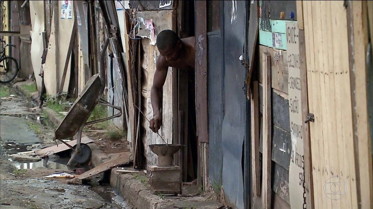 No Brasil, 15,2 milhões vivem abaixo da linha da extrema pobreza, diz IBGE