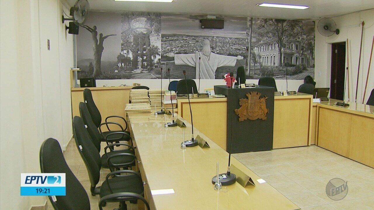 Com nova mudança em janeiro, Elói Mendes terá terceiro prefeito em dois anos