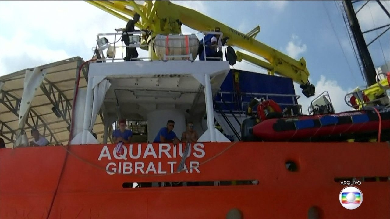 Navio Aquarius vai parar de resgatar imigrantes no Mar Mediterrâneo