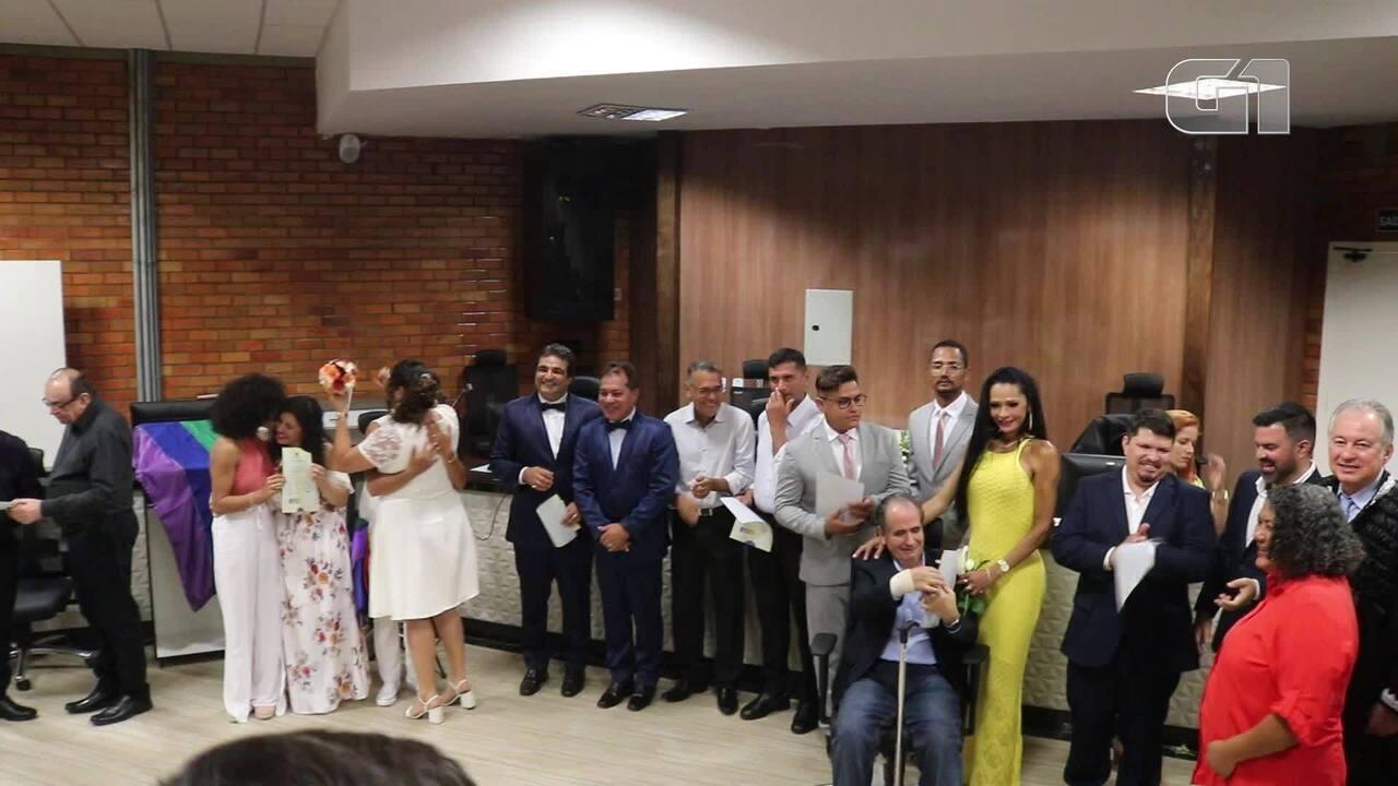 Casais LGBT participam de casamento coletivo em Teresina