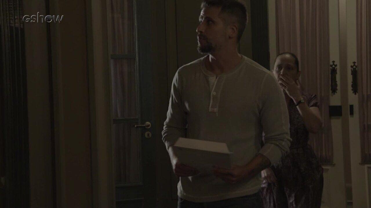 Resumo do dia 21/12 – Gabriel tenta entrar na mansão de Egídio