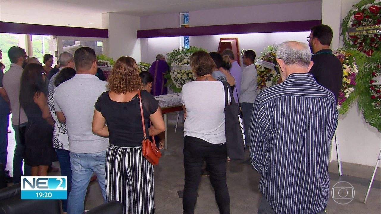 Ex-deputado federal Nilson Gibson é enterrado no Recife