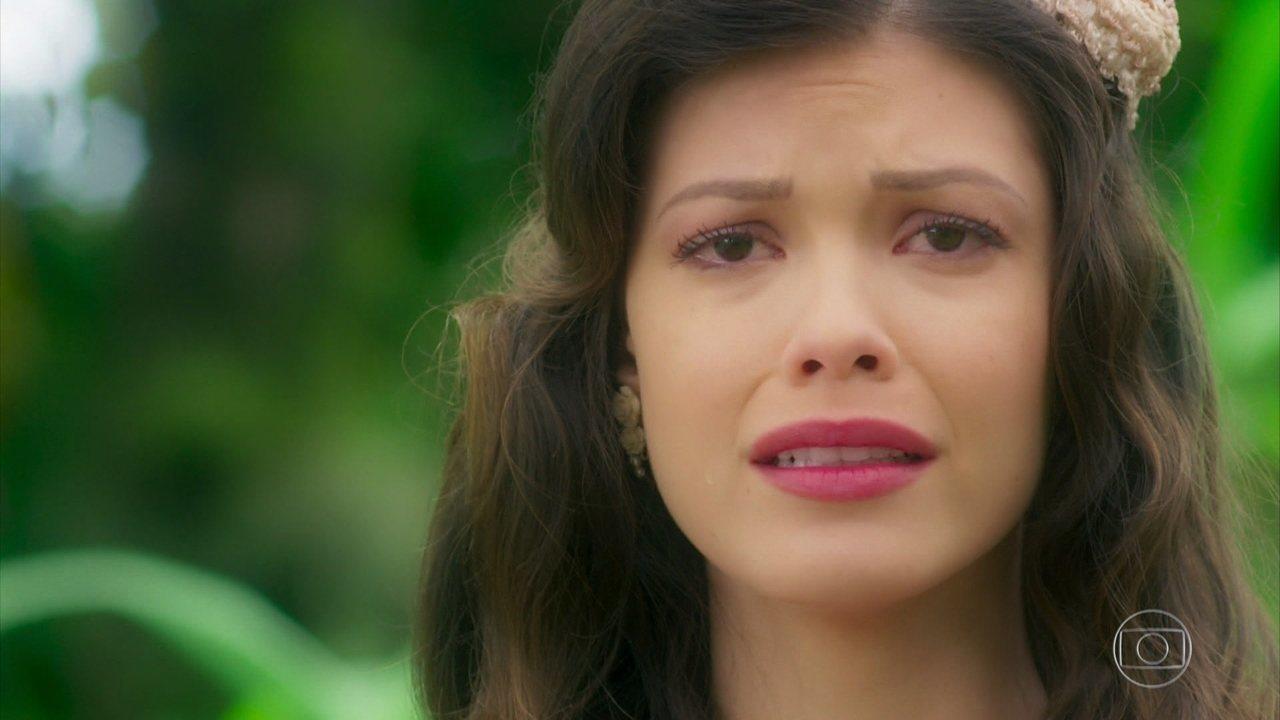 Cris/Julia acredita que Danilo tem uma família e se desespera