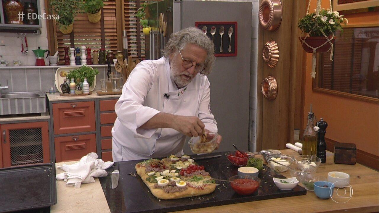 Roberto Ravioli cozinha para a família de Andréia