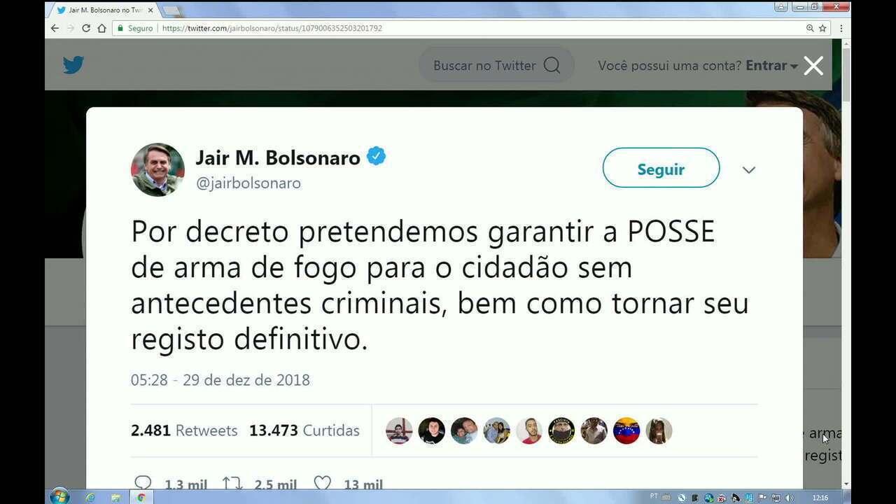 Jair Bolsonaro diz que pretende garantir posse de arma de fogo a cidadãos
