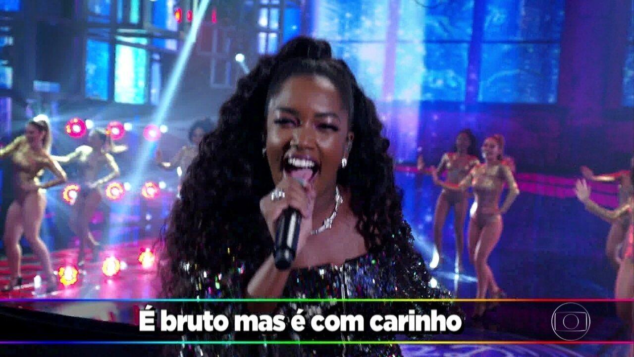 A cantora IZA apresenta a canção ´Dona de Mim´ no ´Ding Dong´