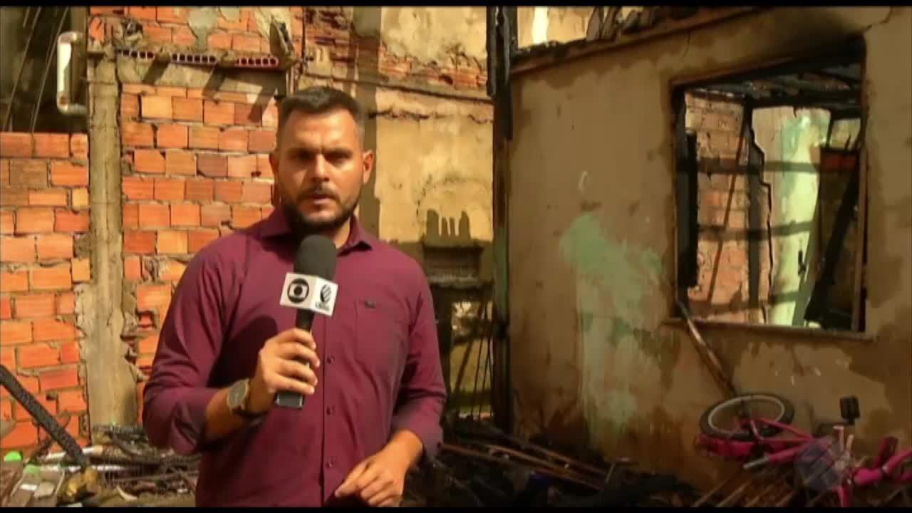 Incêndio destrói três casas no bairro do Guamá, em Belém