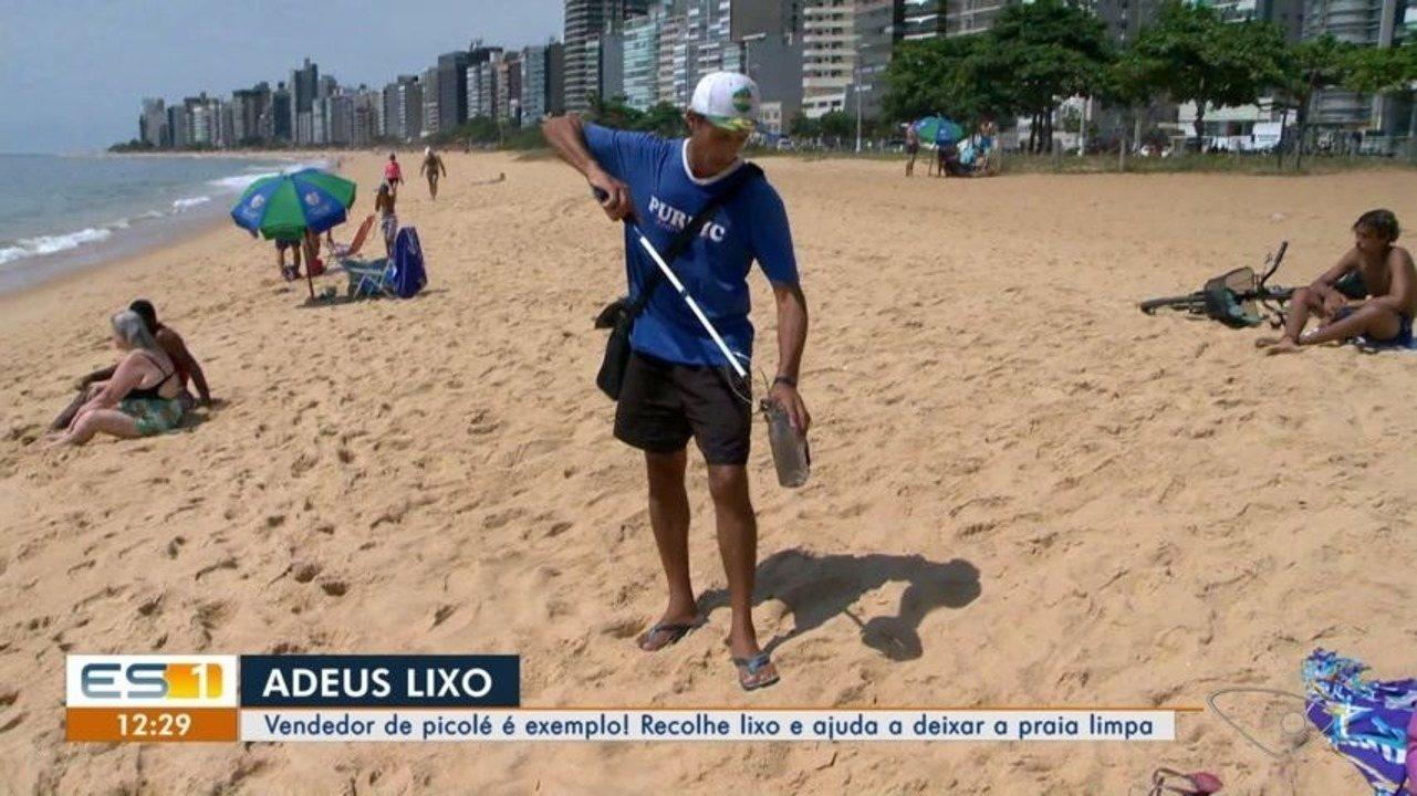 Vendedor de picolé do ES recolhe lixo e ajuda a deixar as praias limpas