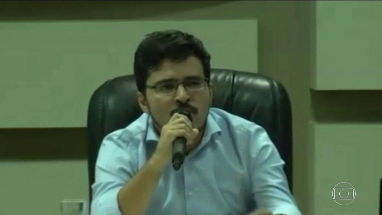 Bolsonaro defende indicação de Murilo Resende como coordenador do Enem