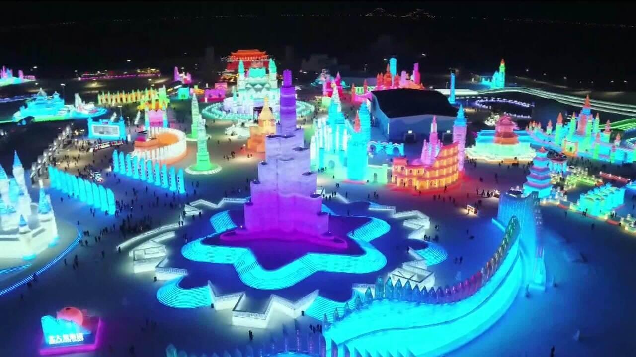 Festival de inverno com cidade de gelo atrai milhões de pessoas na China