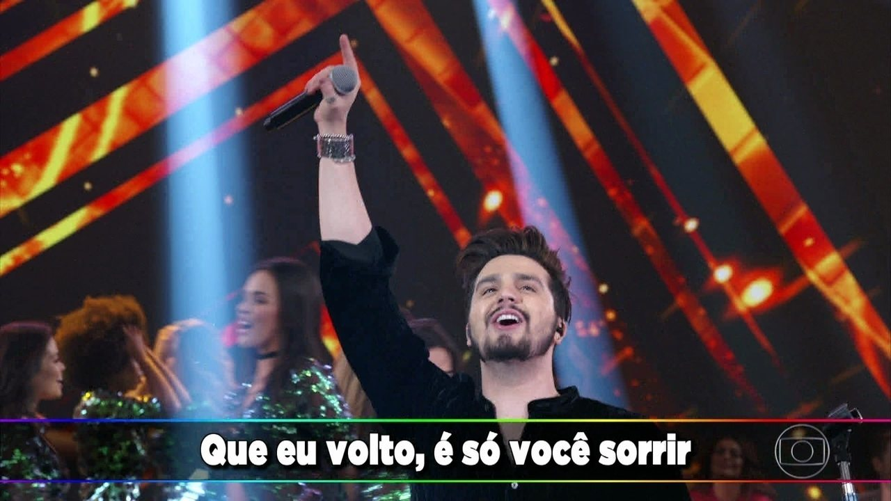 Luan Santana canta seus sucessos no 'Domingão'